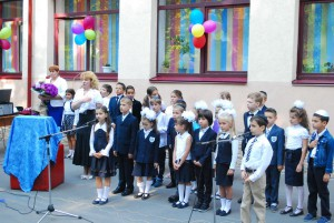 shkola-perlyna-1-st-bell-2015_027