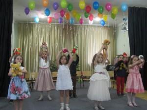 chastnyy-detsky-sad-perlyna-vipusk-2015-437